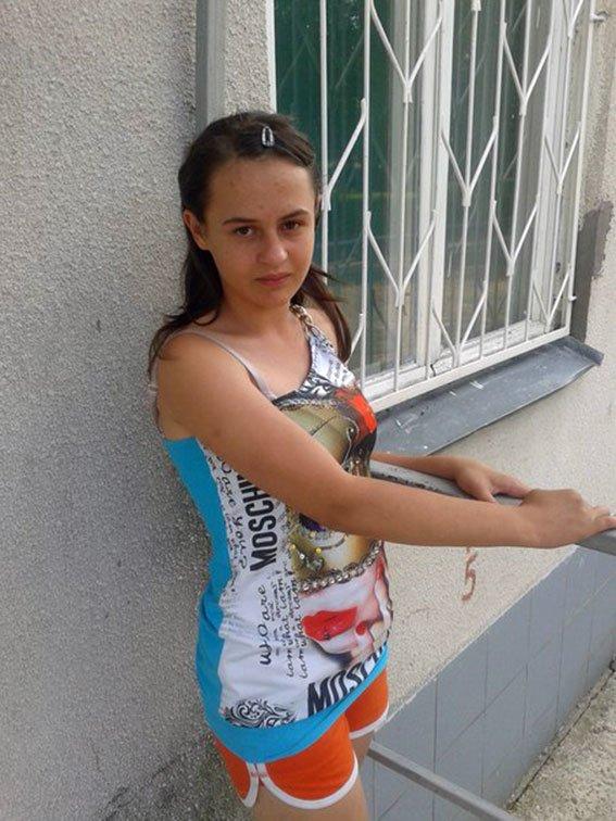 В Харькове пропали две девушки: полиция просит помощи в поисках (фото) - фото 2