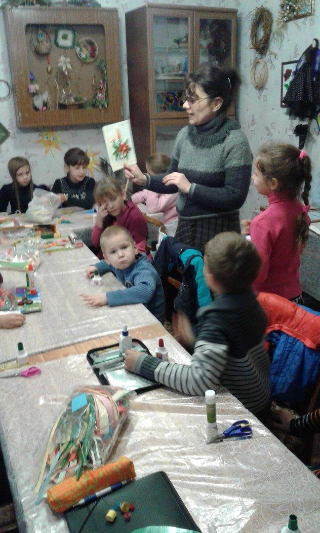 В Красноармейске детей переселенцев обучили основам квилллинга (фото) - фото 5