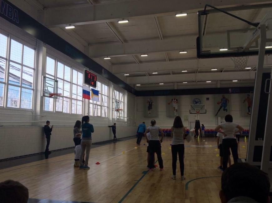 В Нижневартовске прошло спортивно-массовое мероприятие «Семейный ералаш», фото-1