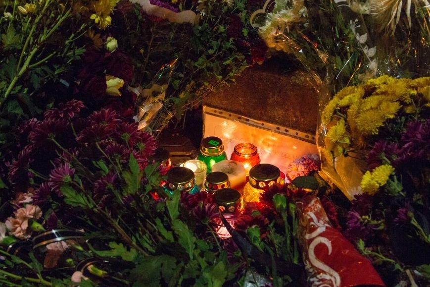 4afd0116ad62117b04bdc6ad0013fcc8 Одесситы почтили память погибших в Париже