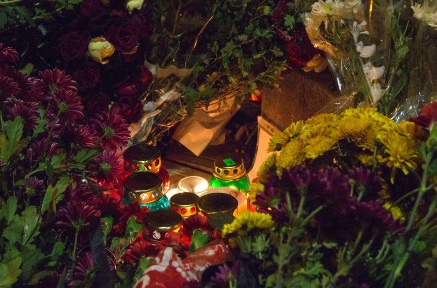 cd48be34a00c873e7d5700f0a916a7a6 Одесситы почтили память погибших в Париже