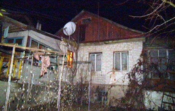 Житомирські правоохоронці затримали чоловіка, який «замінував» власний будинок (фото) - фото 1