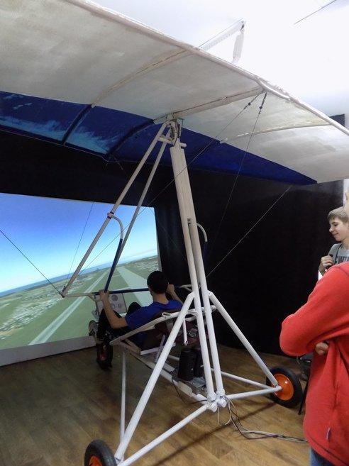 Полевские старшеклассники проходят обучение в «Школе юных пилотов» (фото) (фото) - фото 1