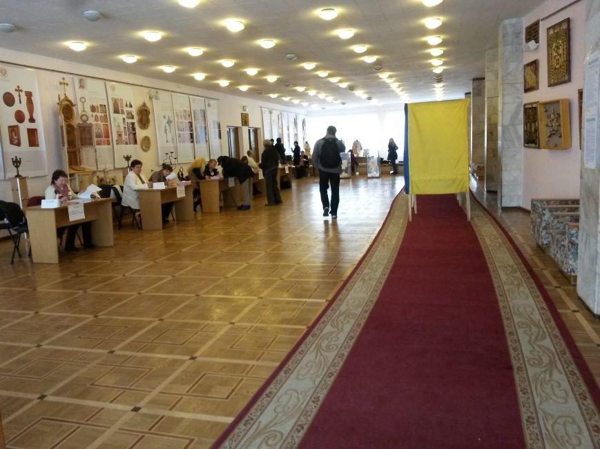 Вибори в Івано-Франківську проходять без порушень, фото-2