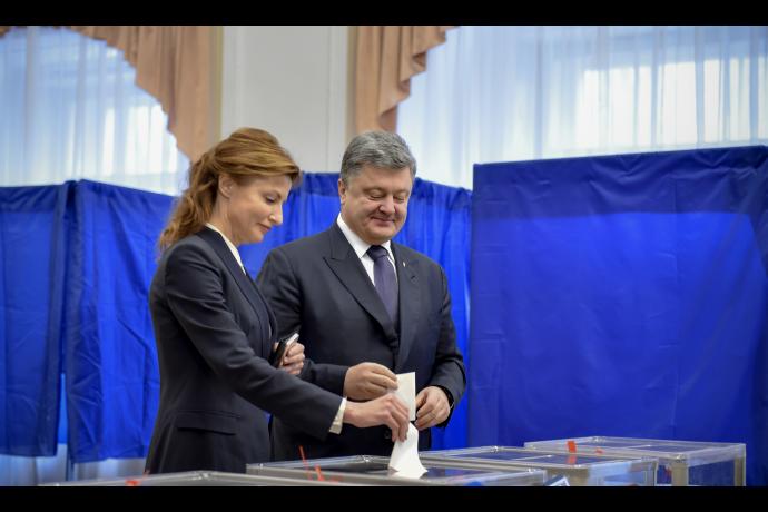 Порошенко призвал избирателей прийти на участки (ФОТО) (фото) - фото 1