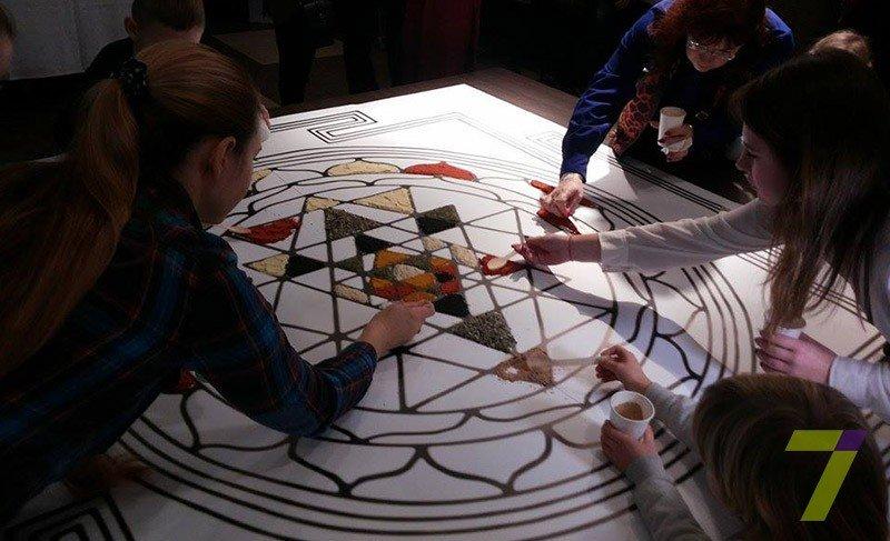 d4f10202139836047309ec15eec00bdf Одесситы создали гигантскую мозаику из специй