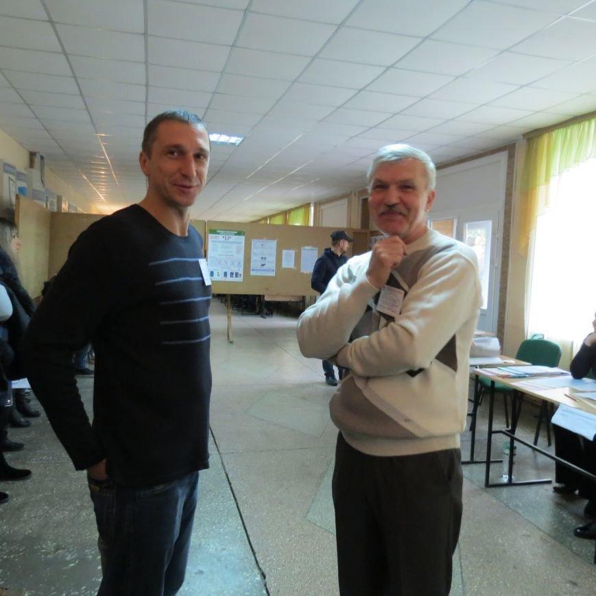 Выборы в Днепропетровске в лицах (ФОТО) (фото) - фото 1