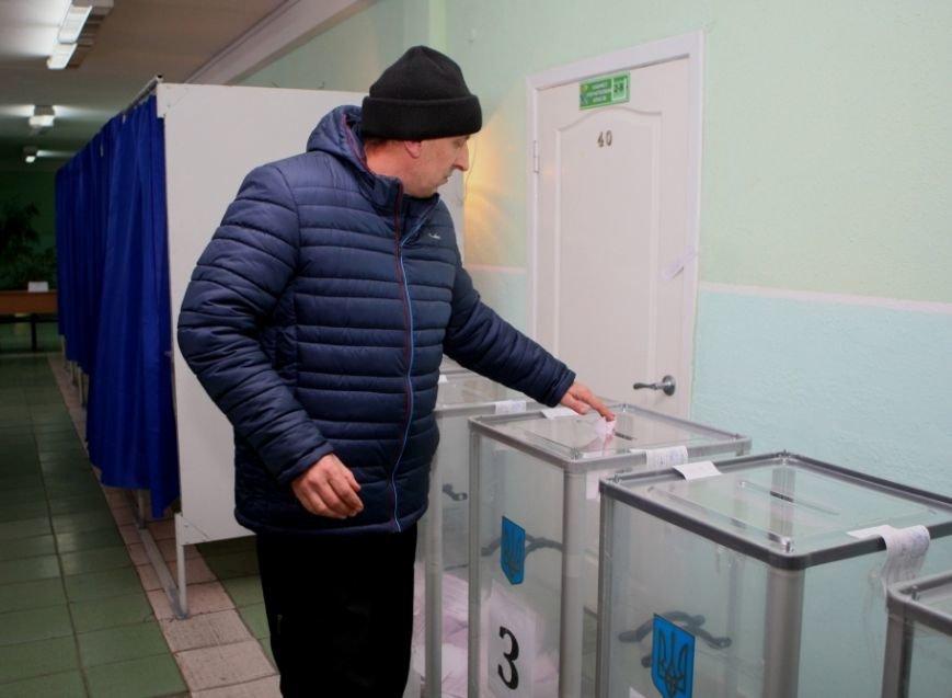 В Днепропетровске на участке была попытка вброса фальшивого бюллетеня и выноса оригинала для фальсификаций в пользу одного из кандидатов (ФОТО) (фо...