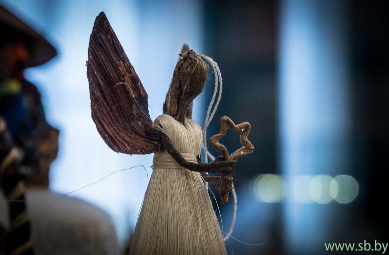 В Гродно в Новом замке открылась уникальная выставка елочных игрушек (фото) (фото) - фото 14