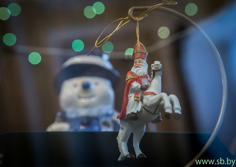 В Гродно в Новом замке открылась уникальная выставка елочных игрушек (фото) (фото) - фото 10