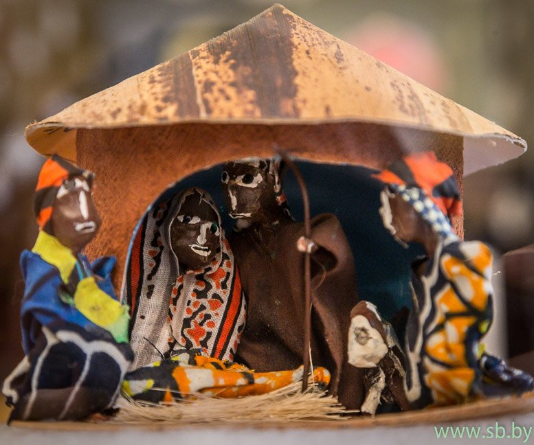 В Гродно в Новом замке открылась уникальная выставка елочных игрушек (фото) (фото) - фото 5