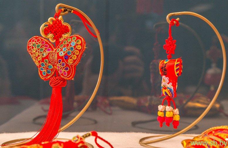 В Гродно в Новом замке открылась уникальная выставка елочных игрушек (фото) (фото) - фото 3