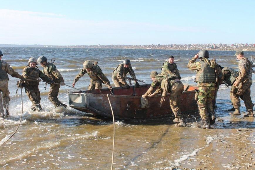 Почти сотня николаевских морских пехотинцев надели черные береты (ФОТОРЕПОРТАЖ) (фото) - фото 12