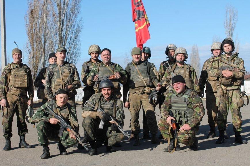Почти сотня николаевских морских пехотинцев надели черные береты (ФОТОРЕПОРТАЖ) (фото) - фото 17
