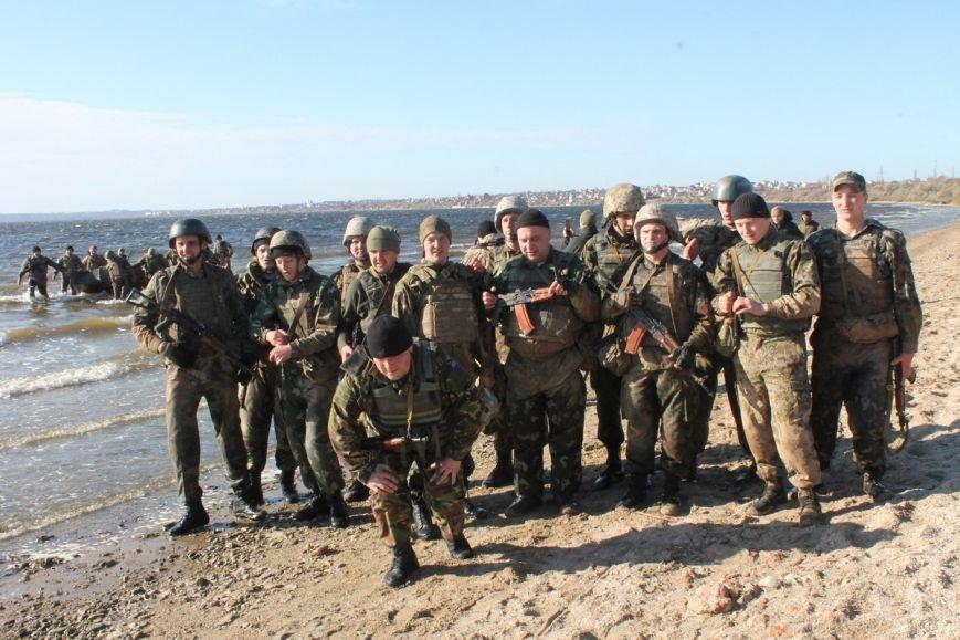 Почти сотня николаевских морских пехотинцев надели черные береты (ФОТОРЕПОРТАЖ) (фото) - фото 11