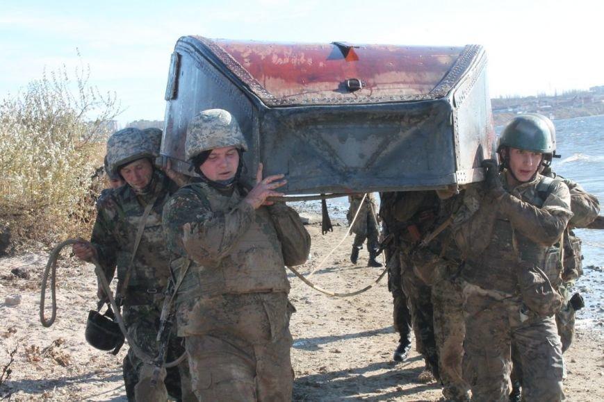Почти сотня николаевских морских пехотинцев надели черные береты (ФОТОРЕПОРТАЖ) (фото) - фото 13