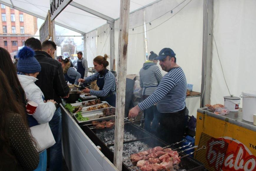 В Днепропетровске прошел самый масштабный за всю историю города фестиваль еды (ФОТО) (фото) - фото 2