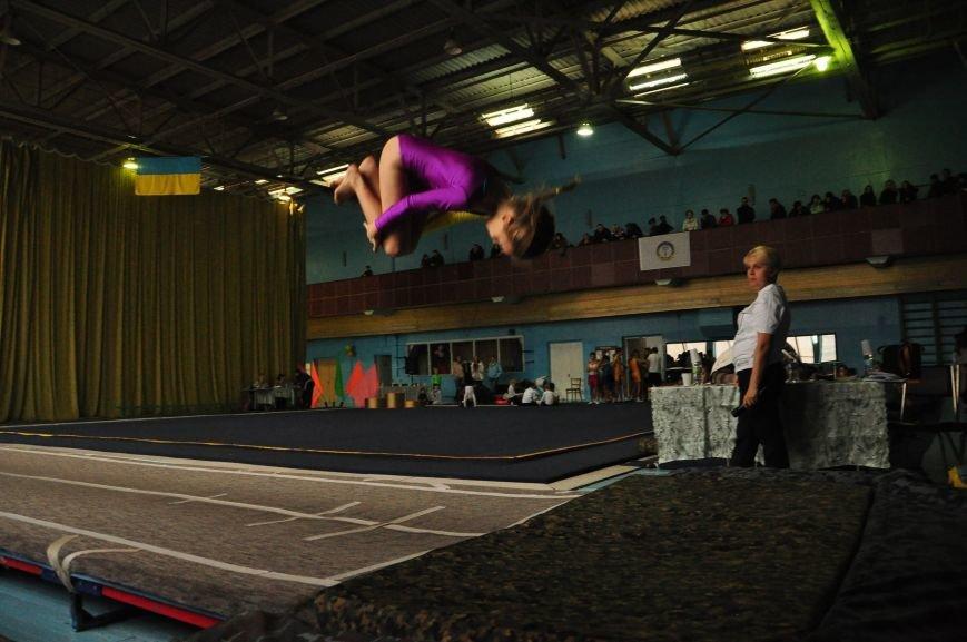В Днепродзержинске прошел открытый чемпионат города по прыжкам на батуте (фото) - фото 3