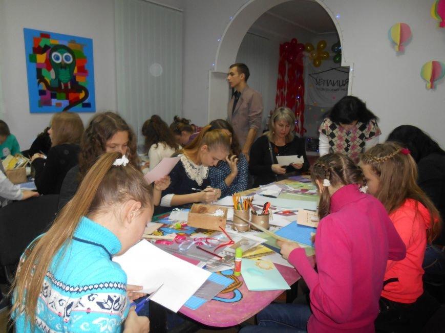 Святкові поштівки від гостей Теплиці, як проводили майстер клас на півріччя (фото) - фото 1