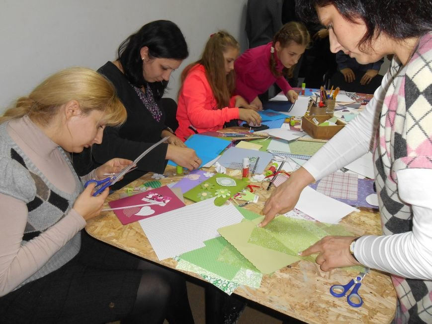 Святкові поштівки від гостей Теплиці, як проводили майстер клас на півріччя (фото) - фото 4