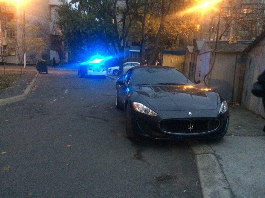 В Одессе полиция остановила Maserati и оформила протокол (ФОТО) (фото) - фото 1