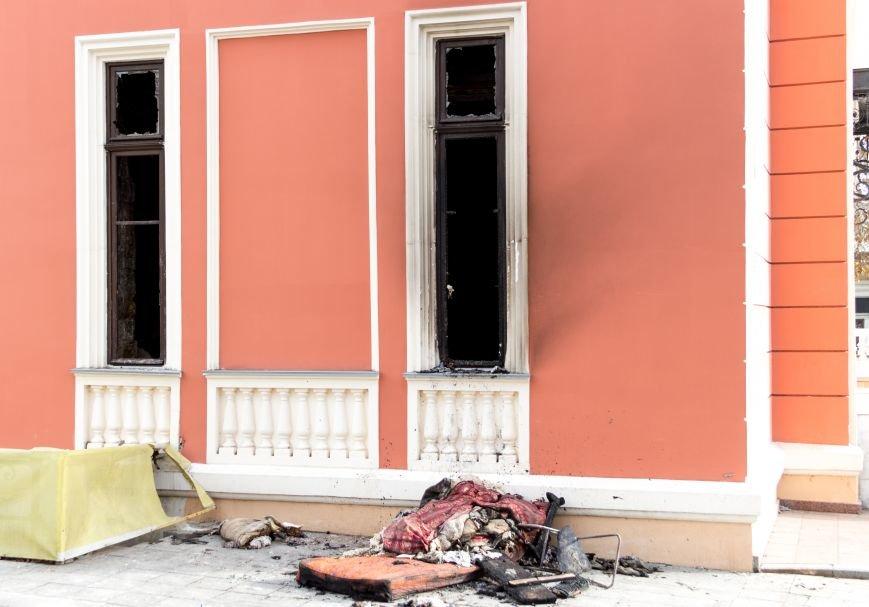 ea2d5b60ca9dad59edcdb6f4ef5ae7e6 Пожар в Одесском музее морского флота: последствия