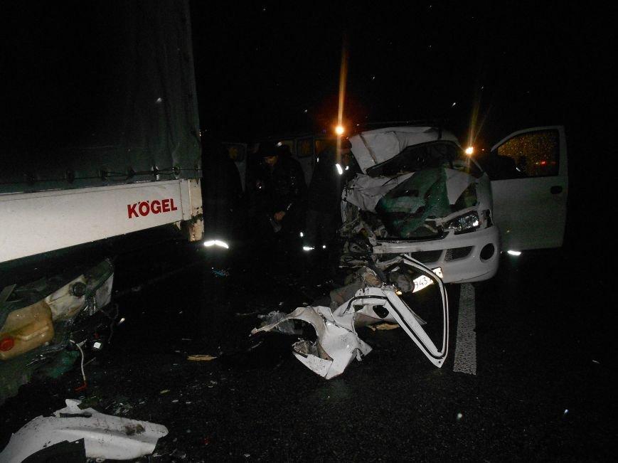 На Сумщине после ДТП пассажира зажало в авто (ФОТО) (фото) - фото 1