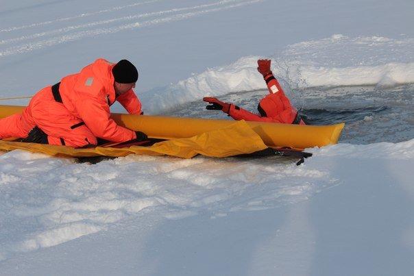 МЧС ТиНАО  предупреждают об опасности тонкого льда (ФОТО) (фото) - фото 2