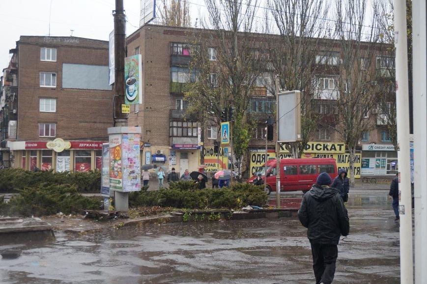 На самом многолюдном перекрестке в центре Кривого Рога отключили светофоры (ФОТО) (фото) - фото 1