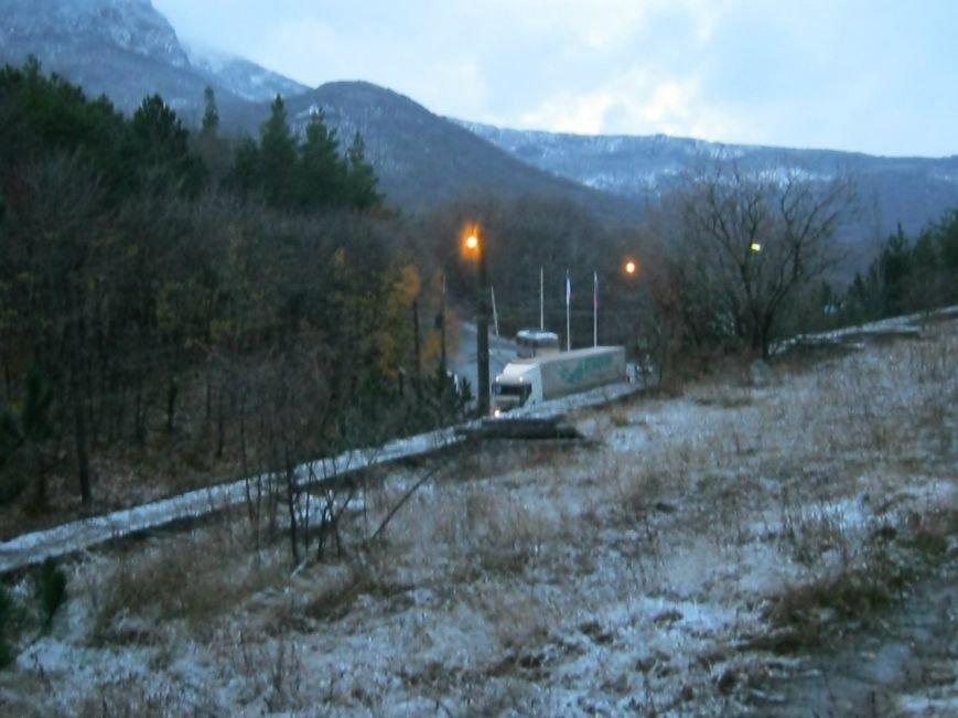 В Крыму выпал первый снег (ФОТОФАКТ) (фото) - фото 2