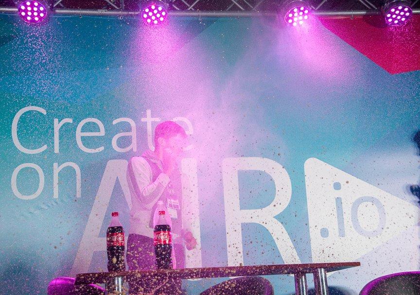 В Киеве прошел фестиваль современных технологий, изобретений и креативности (фото) - фото 4