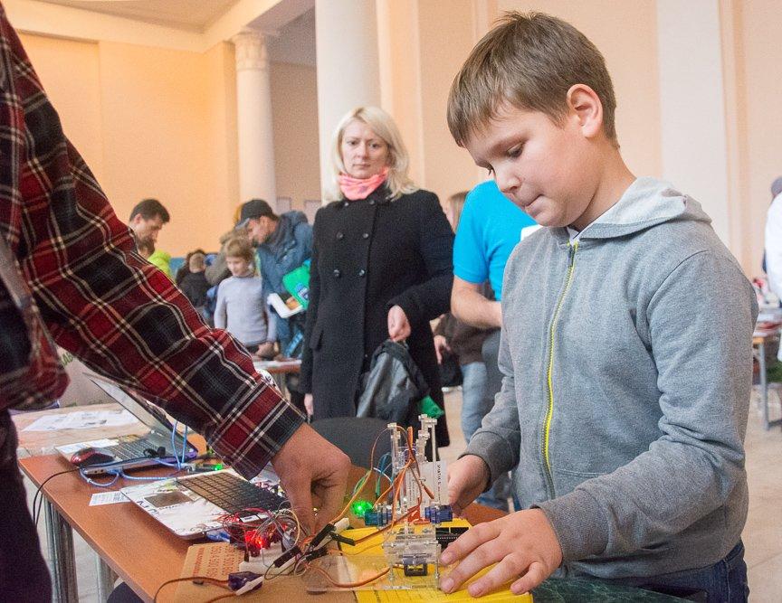 В Киеве прошел фестиваль современных технологий, изобретений и креативности (фото) - фото 3