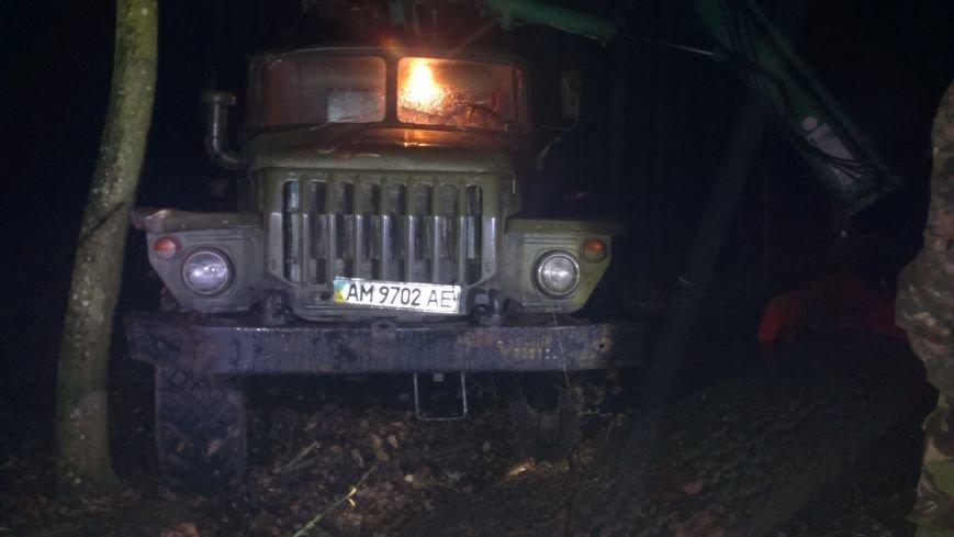 На Житомирщині лісова охорона затримала злісних лісопорушників (фото) - фото 1