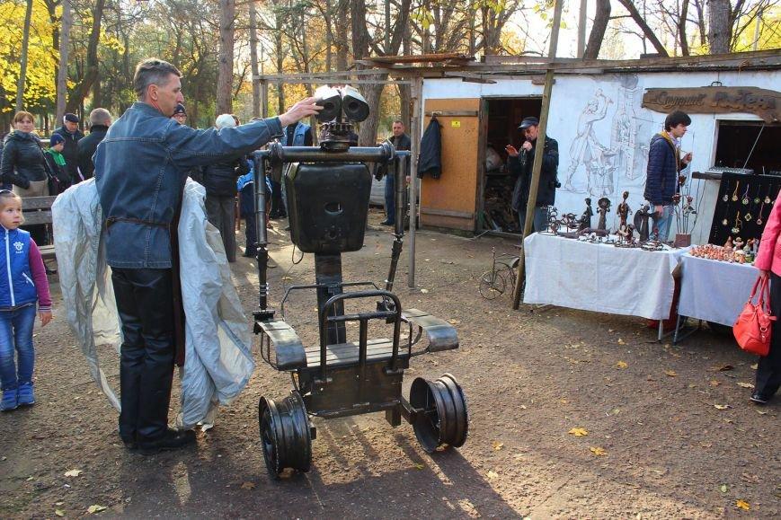 В Симферополе появился робот-мусорщик из известного американского мультфильма (ФОТО), фото-1