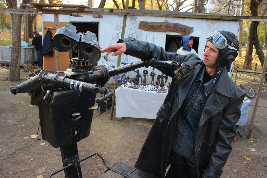 В Симферополе появился робот-мусорщик из известного американского мультфильма (ФОТО), фото-4