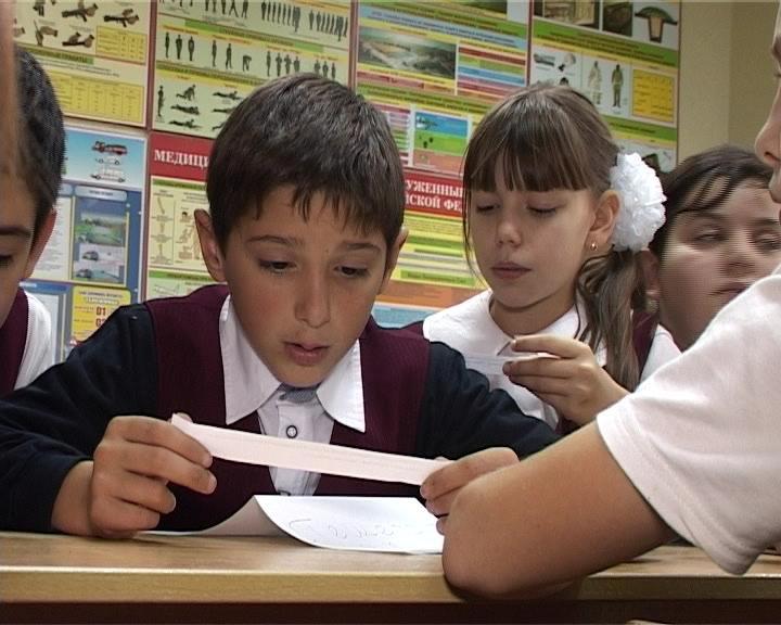 С 16 по 20 ноября сотрудники ГИБДД  проводят неделю правового информирования  детей и подростков (фото) - фото 1