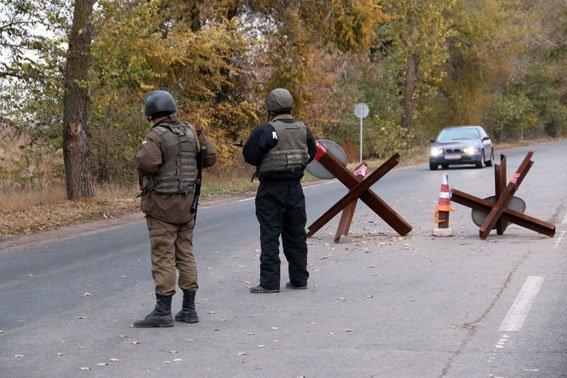 Под Мариуполем задержали автомобиль с РПГ и двух помощников боевиков «ДНР» (фото) - фото 2