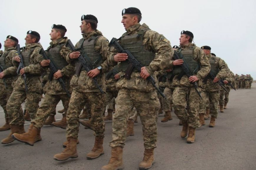 Морпехам, защищающим Мариуполь, вручили боевой флаг (ФОТО), фото-3
