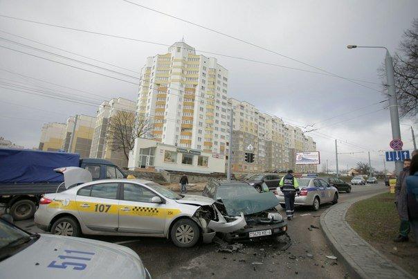 За сутки на Гродненщине произошло три ДТП: среди пострадавших пассажирка такси и девочка (фото) - фото 5