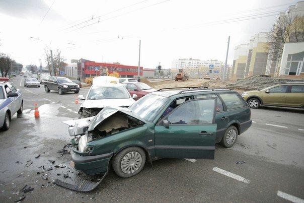 За сутки на Гродненщине произошло три ДТП: среди пострадавших пассажирка такси и девочка (фото) - фото 1