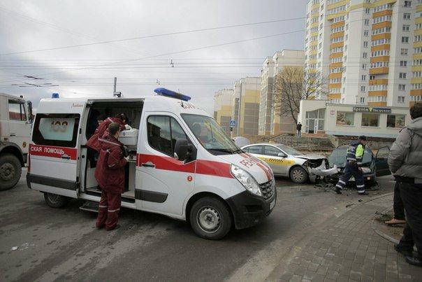 За сутки на Гродненщине произошло три ДТП: среди пострадавших пассажирка такси и девочка (фото) - фото 3