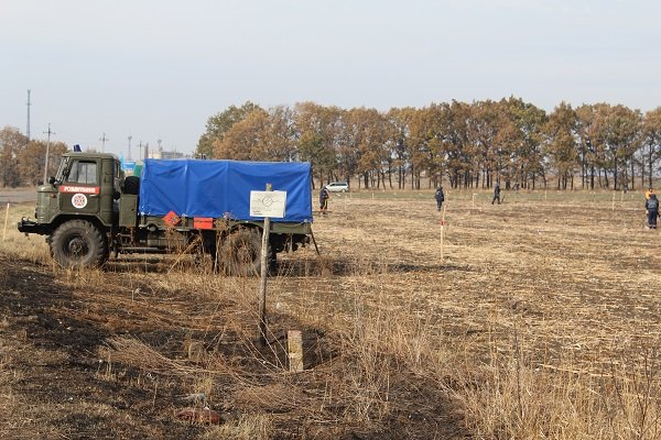 Днепропетровских пиротехников наградили за очистку Сватово от боеприпасов (ФОТО) (фото) - фото 2