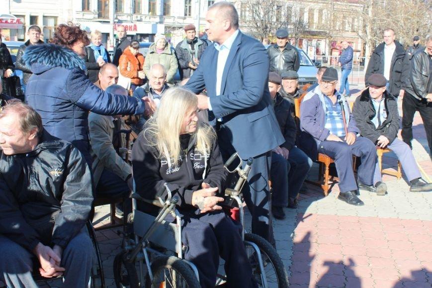 Пострадавшие на производстве крымчане получили новые автомобили «Лада» (ФОТО) (фото) - фото 5