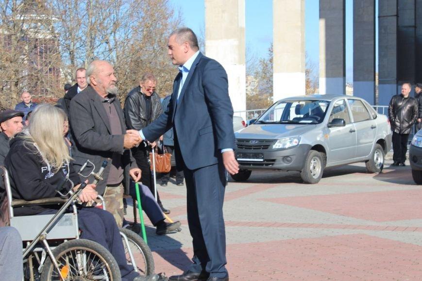 Пострадавшие на производстве крымчане получили новые автомобили «Лада» (ФОТО) (фото) - фото 7
