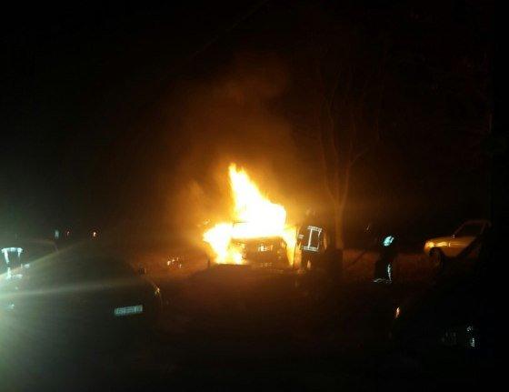 В Харькове на Салтовке сожгли иномарку (ФОТО) (фото) - фото 1