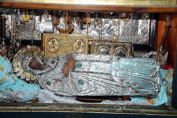 В Днепродзедзержинск прибывает святыня (фото) - фото 1