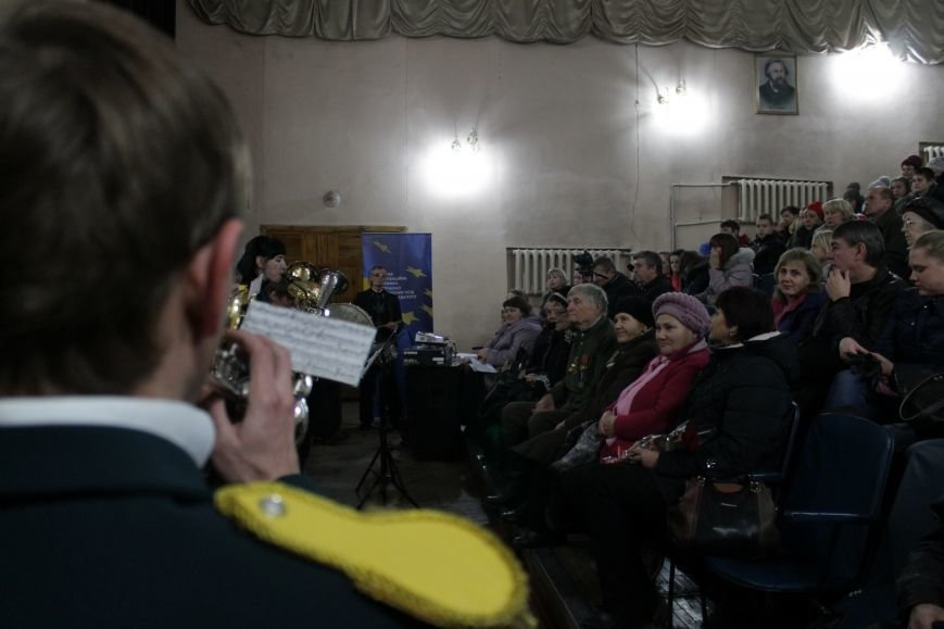 В добропольской музыкальной школе звучали песни военных лет (ФОТО), фото-2