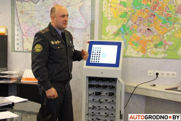 Плохое поведение водителей снимут на камеру: с 23 ноября сотрудники ГАИ в Гродно оденут индивидуальные видеорегистраторы: (фото) - фото 1