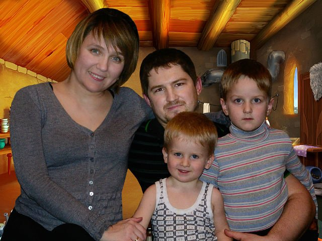В Конотопе живет и работает «первый украинский кутюрье в инвалидной коляске»(Фото) (фото) - фото 1