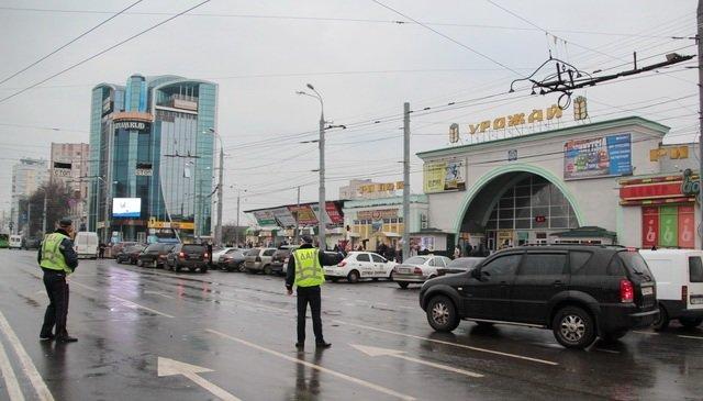 Як автомобільна Вінниця встала біля «Урожаю», фото-6